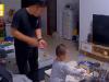 Hành động của con trai 3 tuổi khi bố tăng ca về nhà khiến ai cũng ghen tỵ: 'Sinh được đứa con mát dạ ghê!'