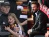 Anh lọt vào tứ kết Euro: David Beckham bừng sáng cả khán đài, bé gái fan Đức khóc nức nở vì thua cuộc