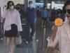Phạm Băng Băng vừa đi vừa ăn món 'đặc biệt' tại sân bay, hành động nhí nhảnh gây sốt Weibo