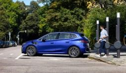 BMW sắp tung bộ sản phẩm Active Tourer thế hệ mới, tiếp nối thành công của dòng 2-Series