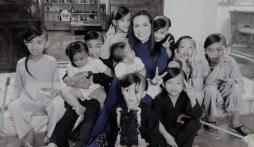 Hé lộ tương lai của 23 người con nuôi - những 'chiếc lá chưa lành' sau khi Phi Nhung qua đời: Đứng bỏ con mẹ ơi!