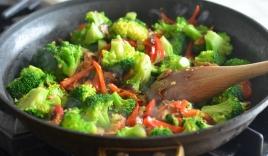 5 sai lầm thường gặp khi xào rau làm mất chất dinh dưỡng