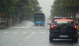 Bão số 5 suy yếu thành áp thấp nhiệt đới, gây mưa lớn cho Đà Nẵng đến Bình Định