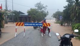 Bão số 5: 45 người kẹt trong rừng Thừa Thiên - Huế; 50 căn nhà tốc mái ở Quảng Trị