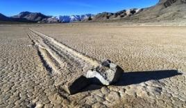 Sự thật những tảng đá biết đi tại Mỹ khiến nhân loại kinh ngạc từ hơn 100 năm trước
