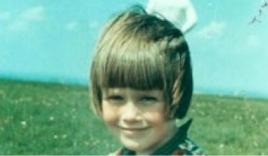 'Phi hành gia' bí ẩn sau lưng bé gái hơn 50 năm trước vẫn chưa lộ diện