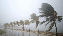 Vùng áp thấp có khả năng mạnh lên thành áp thấp nhiệt đới, di chuyển rất nhanh vào đất liền