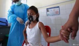Nước Đông Nam Á đầu tiên mở chiến dịch tiêm chủng Covid-19 cho trẻ em