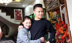 Quang Hải tặng mẹ quà 'siêu sang xịn mịn' nhân ngày 20/10, Bùi Tiến Dũng ngưỡng mộ