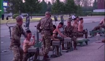 Binh sĩ Triều Tiên khoe sức chịu đựng phi thường khiến người xem 'nổi da gà'