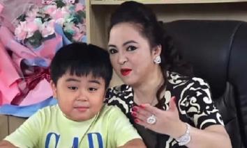 Mới 9 tuổi, con trai cưng của bà Phương Hằng đã khiến bố mẹ mát mặt