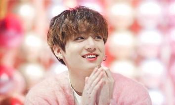 Sinh nhật Jung Kook BTS: Livestream chiều fan 'bung nóc', chiếm sóng MXH toàn cầu