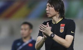 HLV ĐT Trung Quốc thừa nhận may mắn thắng Việt Nam nhờ 'điều thần kỳ phút bù giờ'