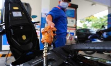 Giá xăng dầu tăng 'phi mã', cao chưa từng có trong 3 năm trở lại đây