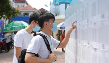 Bộ GD-ĐT đưa ra 3 nguyên nhân lý giải điểm chuẩn đại học 2021 tăng đột biến