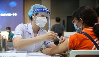 Lãnh đạo Bộ Y tế thông tin về việc thí điểm tiêm vắc xin cho trẻ 12-17 tuổi