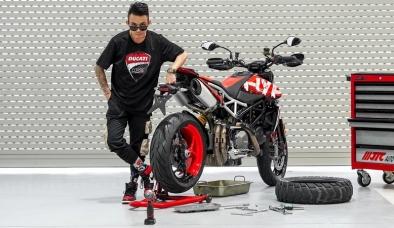 Tin xe hot nhất 8/9: Cận cảnh mô tô 6 tỷ của Minh Nhựa, Mitsubishi giảm giá 5 mẫu xe