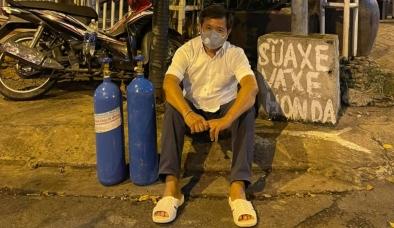 Ông Đoàn Ngọc Hải khoe hàng loạt bình oxy mới, dân mạng nghi 'đá xoáy' vì chi tiết 'bình oxy màu xanh'
