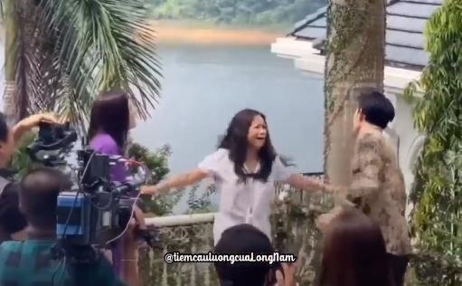 Hương vị tình thân phần 2: Ông Tấn bị bắt, Thy gào khóc từ mặt bà Sa