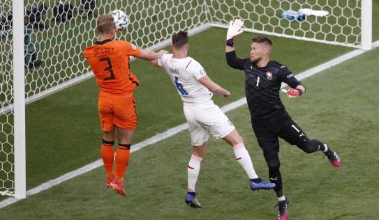 Kết quả bóng đá Hà Lan - CH Czech: Giấc mơ 'da cam' tan vỡ, báo quốc tế sững sờ