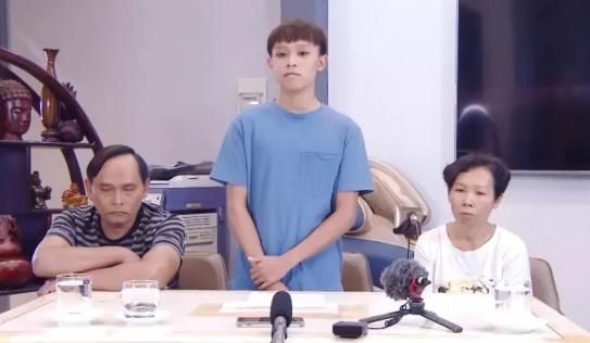 Hồ Văn Cường cùng bố mẹ ruột lộ diện, vạch trần âm mưu xoay quanh Phi Nhung những ngày qua