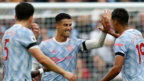 Phá lưới West Ham, Ronaldo tiếp tục lập thêm một kỷ lục 'độc nhất vô nhị' ở tuổi 36
