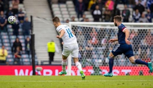Siêu phẩm 'lá vàng rơi' từ giữa sân của Patrik Schick giành giải Bàn thắng đẹp nhất EURO 2020