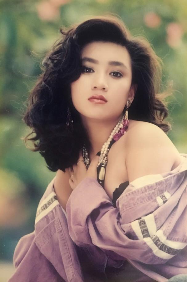 Y Phụng - tình cũ Lý Hùng lộ loạt ảnh tắm bồn: Không hổ danh mỹ nhân nóng bỏng nhất thập niên 90 5