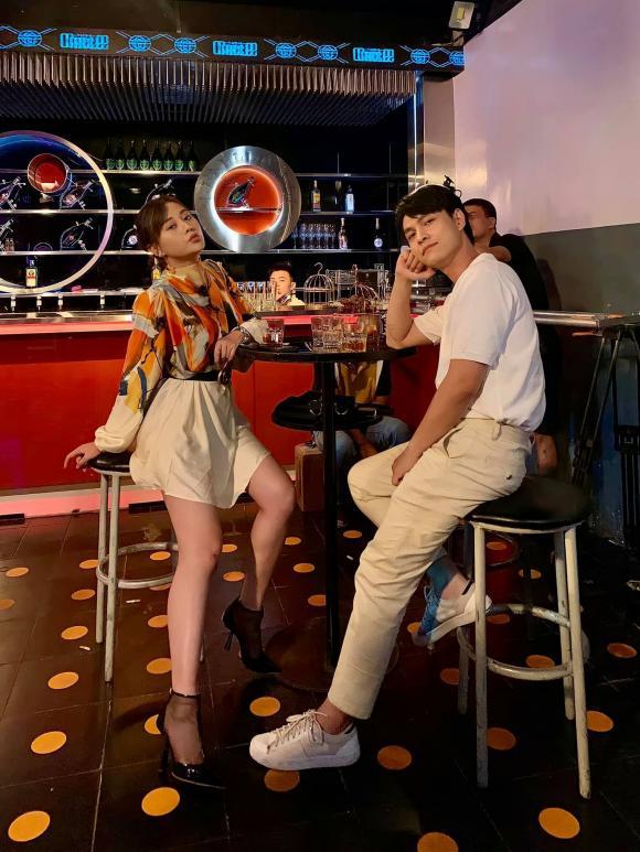 'Bạn trai' Phương Oanh trong 'Hương vị tình thân 2' đã có vợ xinh như hot girl 2