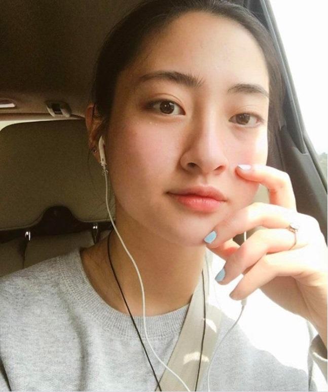 Hoa hậu Lương Thùy Linh buông lơi dây áo chỉ một sơ sẩy cũng dễ gặp sự cố 4