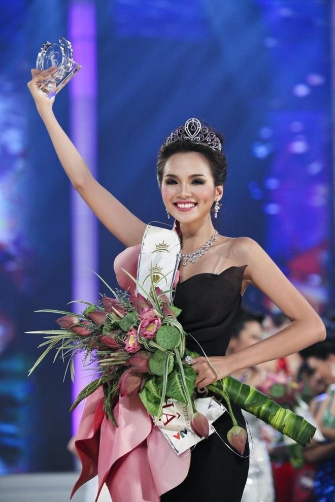 Hoa hậu Diễm Hương lên tiếng phân trần sau khi khoe clip ra đường vào thời điểm giãn cách 3