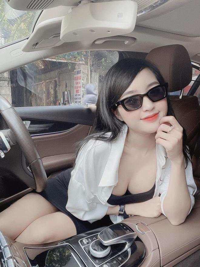 Nhan sắc nóng bỏng của hot girl Lê Phương Anh  1