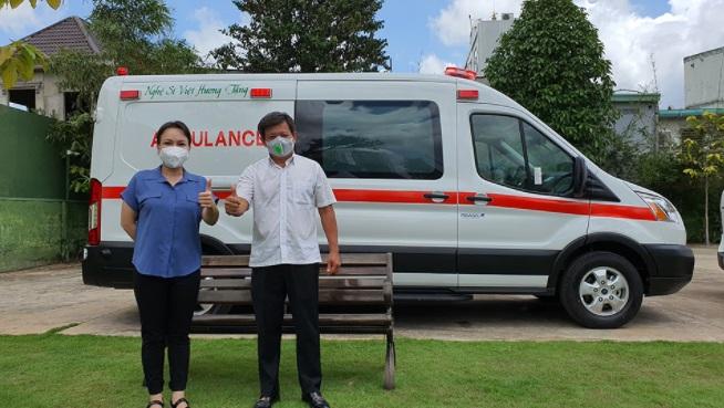 Bên trong chiếc xe cứu thương Việt Hương tặng ông Đoàn Ngọc Hải, chi tiết đặc biệt gây chú ý 1