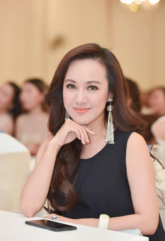 Điểm chung đặc biệt của MC Diễm Quỳnh và BTV Hoài Anh  4