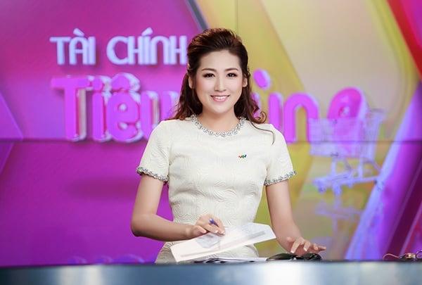 Nữ MC gợi cảm của VTV - Tú Anh bị mẹ ruột tiết lộ quá khứ đầy nước mắt 3