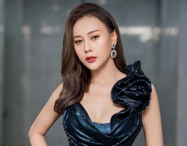 Loạt ảnh mặt mộc phơi bày nhan sắc thật của 'vợ' Mạnh Trường Hương vị tình thân 5