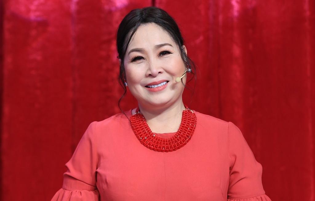 NS Hồng Vân bỗng chia sẻ nỗi bất an giữa lúc đồng nghiệp đồng loạt đối đầu bà Phương Hằng 3