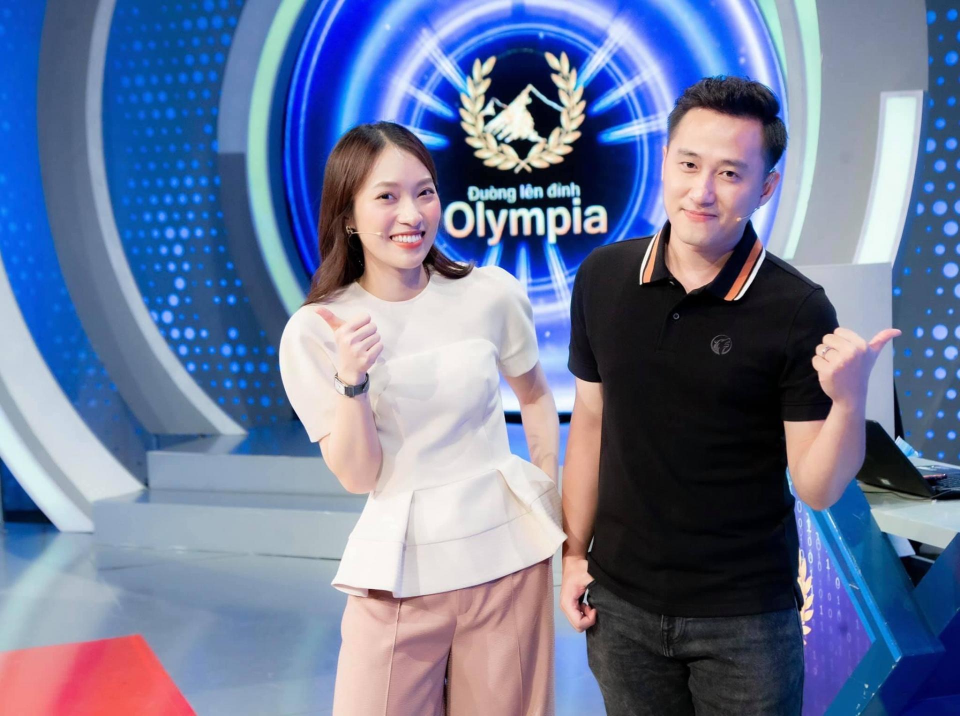 Vừa thay MC Diệp Chi, Khánh Vy bị đào lại quá khứ nhạy cảm trên sóng truyền hình 2