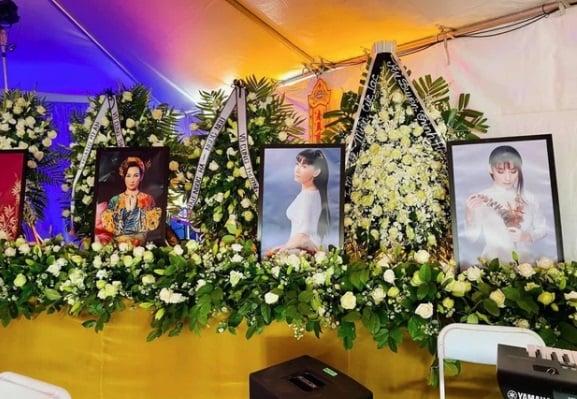 Xuất hiện người phụ nữ nhận Phi Nhung là em ruột của mình giữa đám tang 2