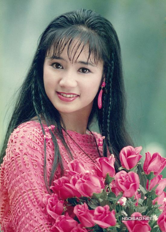 NSND Thu Hà gây sốt với nhan sắc gợi cảm ở tuổi U50: Không hổ danh thuộc tứ đại Ngọc nữ điện ảnh thập niên 90s! 2