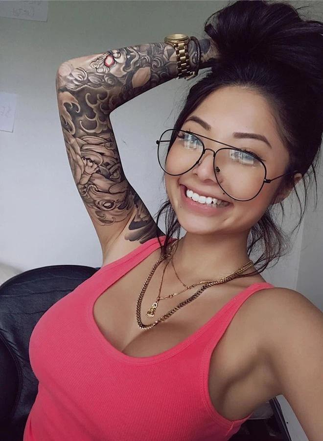 Cassie Trinh Võ: Là hotgirl nóng bỏng, từng có mối tình chóng vánh với rapper Binz 4