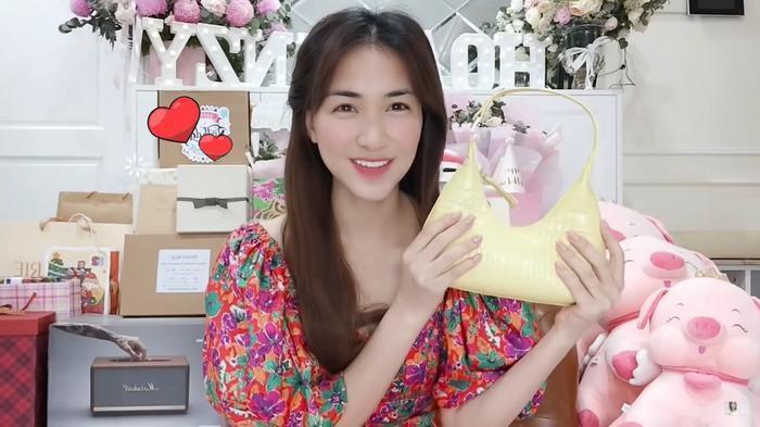 Hương Giang bị người em thân thiết vô tình tiết lộ bí mật ở ẩn nhiều tháng qua 2