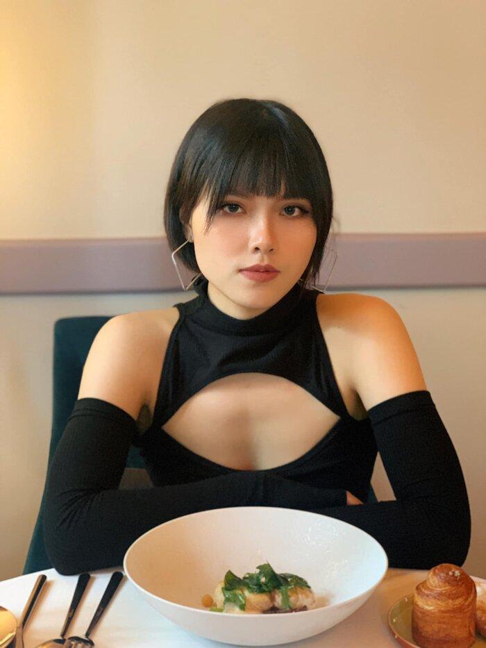 Cô gái xấu nhất trong 'Hương vị tình thân' gây toát mồ hôi với loạt ảnh nóng bỏng sau clip bị quay lén 10
