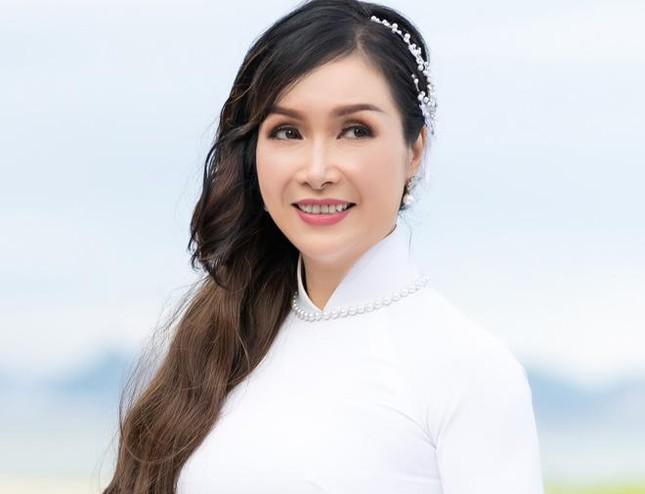 Hoa hậu Bùi Bích Phương lộ nhan sắc ở tuổi U50 sau 33 năm đăng quang 6
