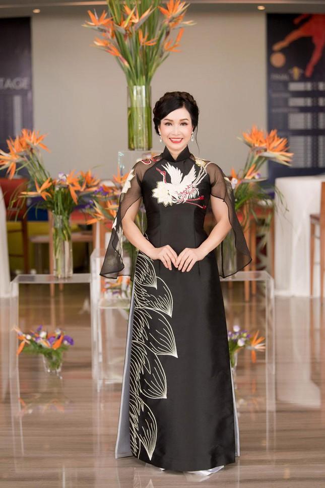 Hoa hậu Bùi Bích Phương lộ nhan sắc ở tuổi U50 sau 33 năm đăng quang 4