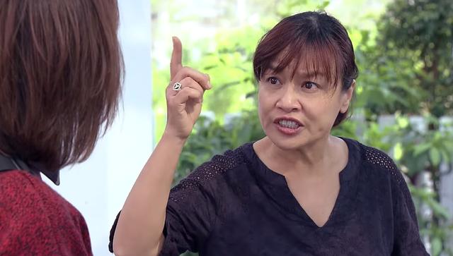 Diễn viên Tú Oanh trong 'Hương vị tình thân' khổ sở khi bị 'thượng đế' chì chiết 1