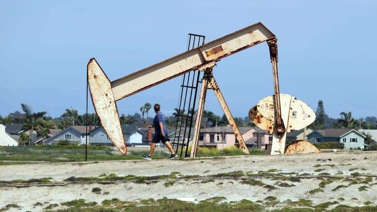 Tin tức giá xăng dầu mới nhất hôm nay ngày 3/8: Đảo chiều bất thường 1