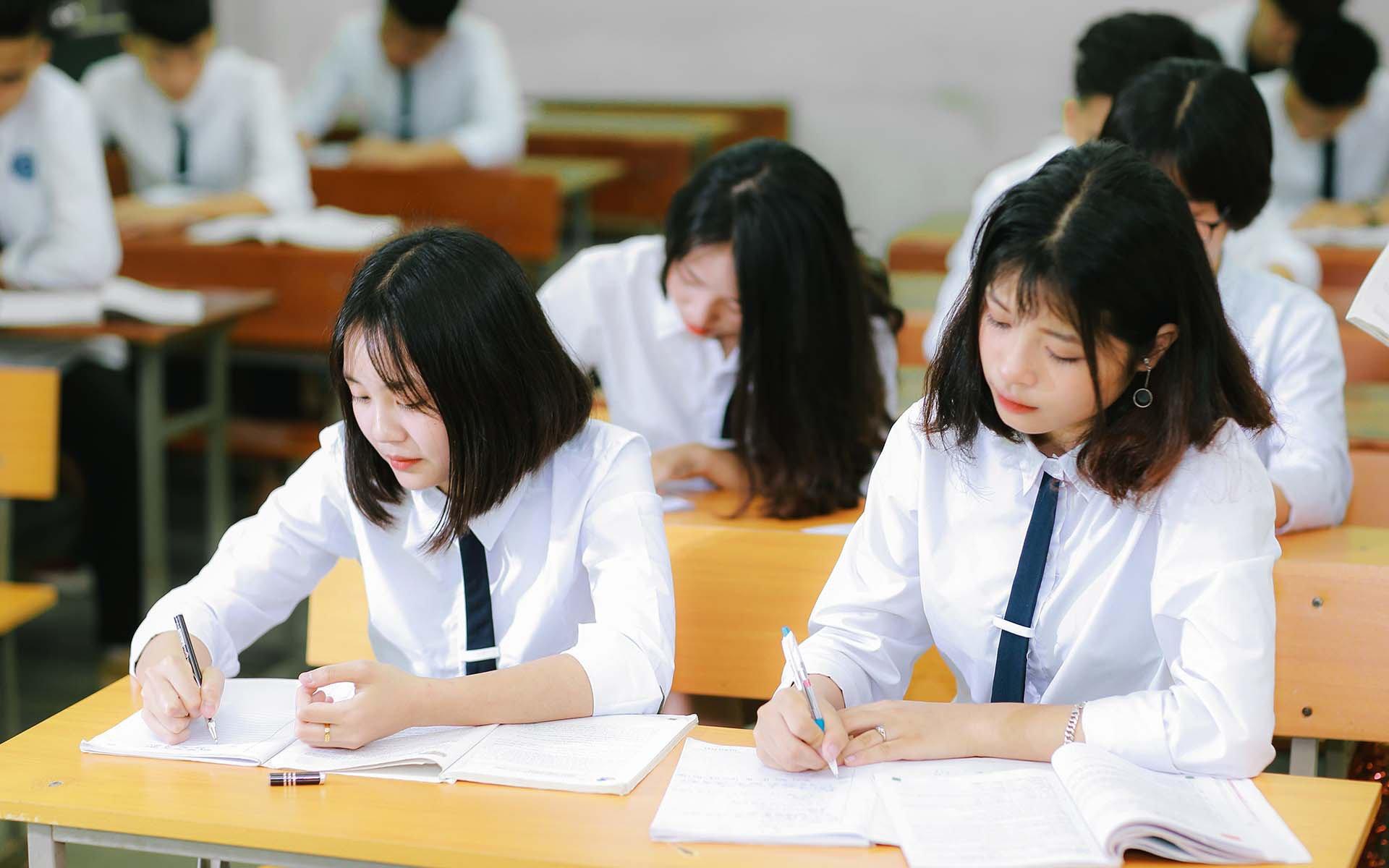 Đề thi môn Toán tốt nghiệp THPT Quốc gia 2021 đợt 2 tất cả các mã đề 1
