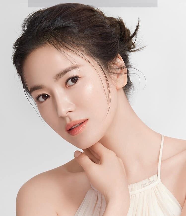Nhan sắc 'không tuổi' nhưng Song Hye Kyo lại lộ dấu hiệu bệnh của người già 4