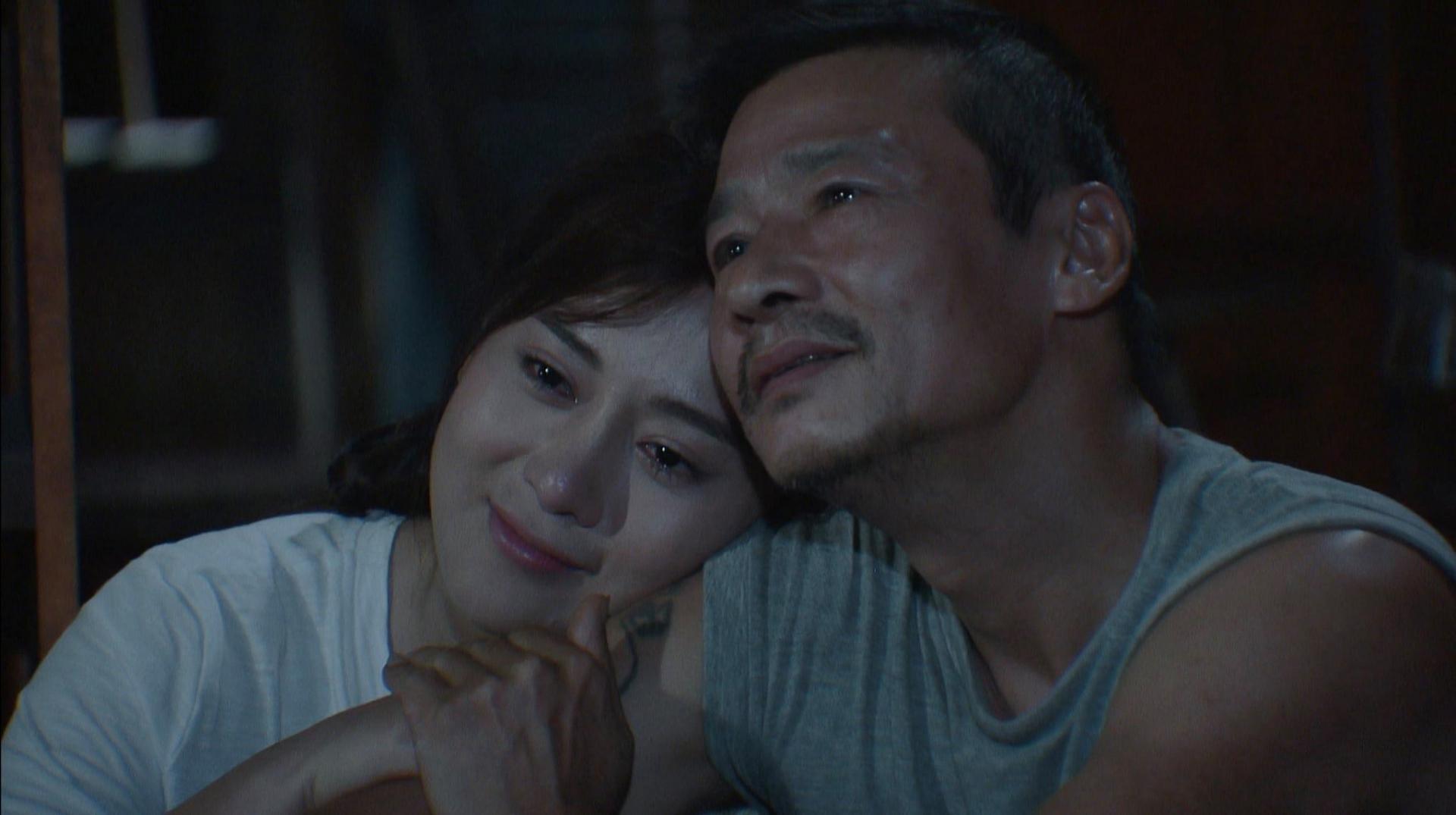 Hương vị tình thân: Lộ cảnh Nam khóc nấc khi ông Sinh bị bắt lần 2, Long tận tình an ủi người yêu? 2